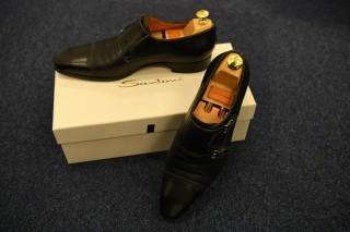 「Santoniの靴」